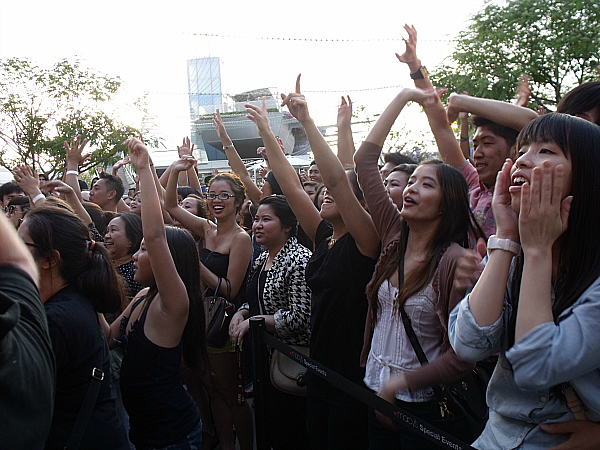 Far East Movement Concert Crowd at Macy's South Coast Plaza