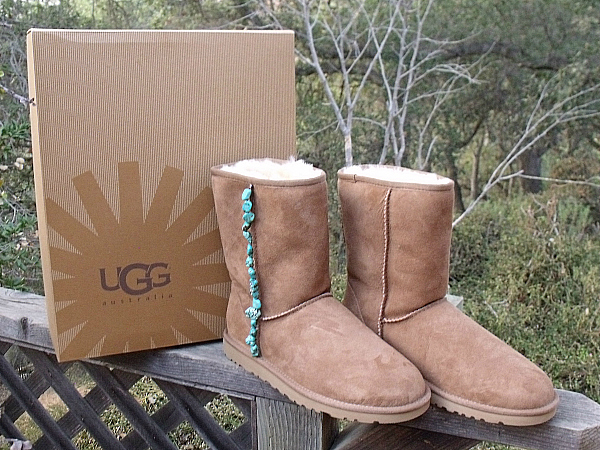 DIY: Personalized Uggs | Uggs, Ugg boots, Diy