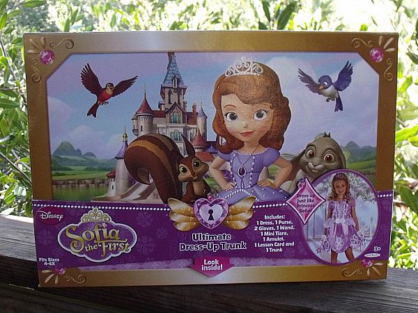 Disney Sofia the First Transforming Dress & Trunk by Jakks Pacific