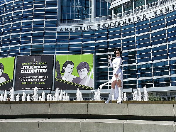 feature Star Wars Celebration Cosplay - Princess Leia