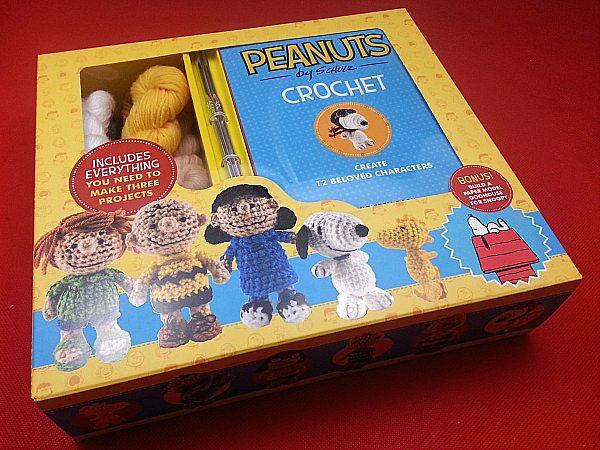 Snoopy Throw Knitting Kit | Stitch & Story - Stitch & Story USA | 450x600