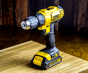 DEWALT Giveaway – Lithium Drill Combo Kit