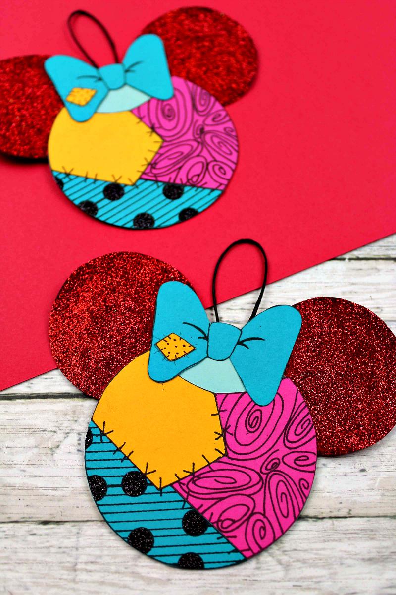Nightmare Before Christmas Sally Ornament Craft #DIY #craft #timburton #nightmarebeforechristmas #sally #disney #freeprintable #DisneyOrnament #SallyCraft #papercraft #christmasornament #halloween #holidaycraft #christmascraft #halloweencraft