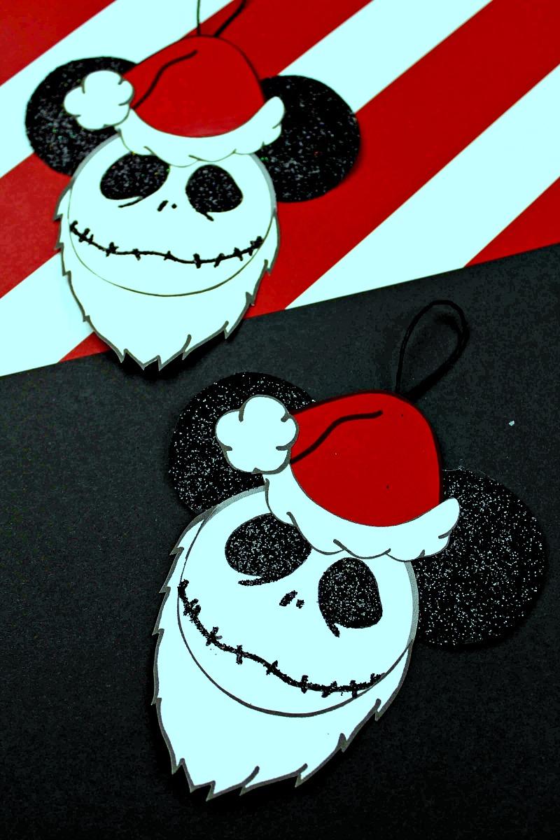 Santa Jack Skellington Ornament Craft #Disney #DisneyCraft #DisneyOrnament #MickeyEars #NightmareBeforeChristmas #JackSkellington #Ornament #FreePrintable #HolidayCraft #MickeyEarsCraft