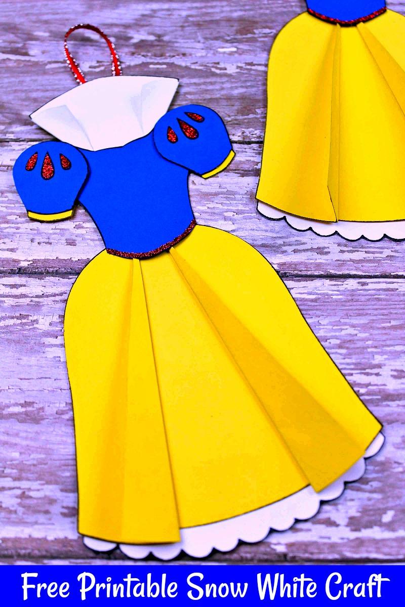 Free Printable Snow White Ornament Craft #FreePrintable #Disney #ChristmasCraft #DisneyOrnament #SnowWhite #SnowWhiteCraft #DisneyCraft #ChristmasOrnament
