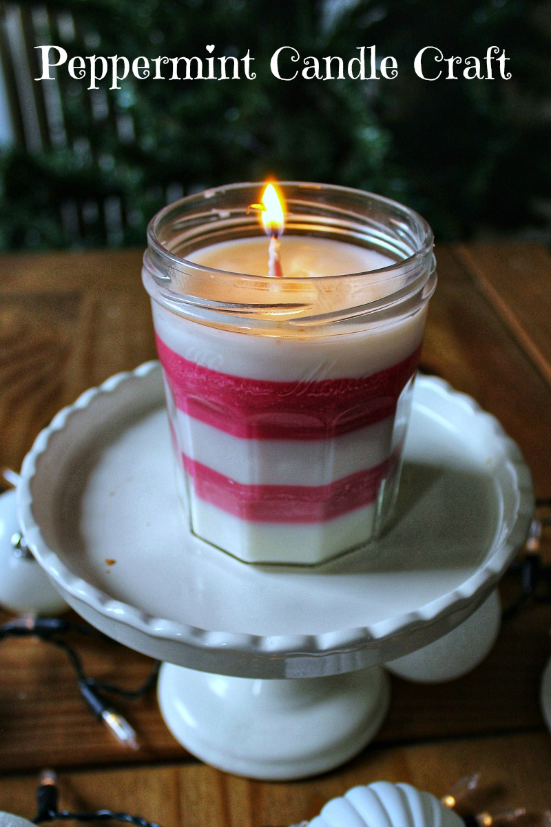 Easy Homemade Peppermint Candle Holiday Craft #HolidayCraft #Candlemaking #Peppermint #HomemadeGift #PeppermintCandle #SoyCandle