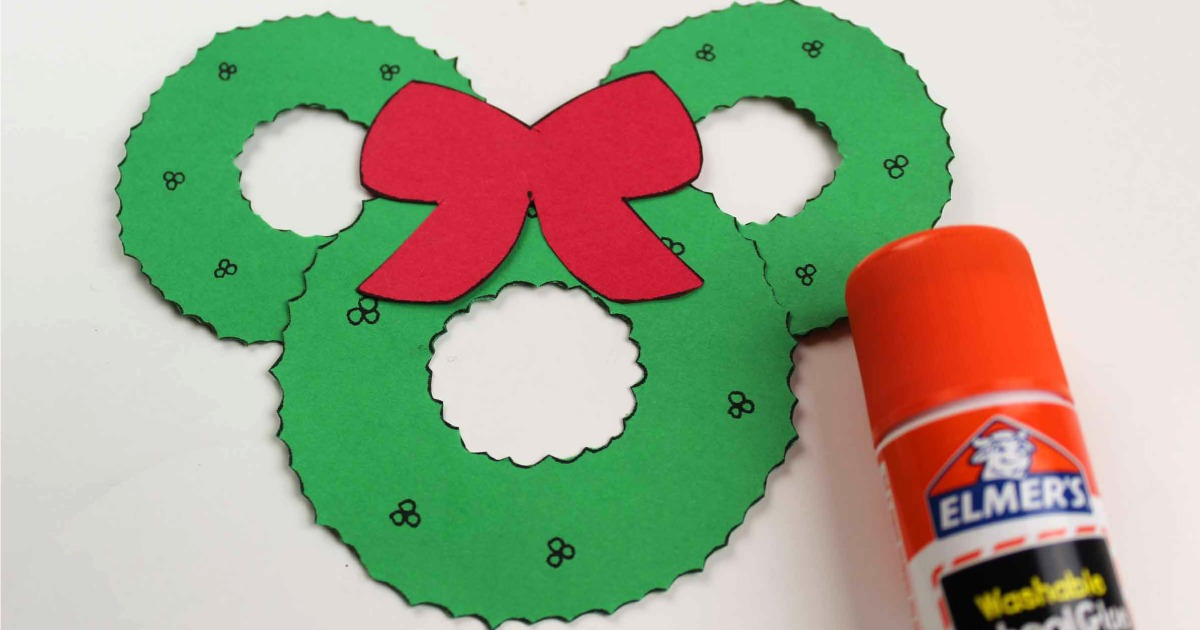 assembly of mickey head wreath craft