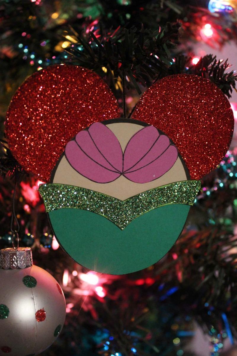 Little Mermaid Ariel Ornament Craft with free template #Disney #FreePrintable #PrintableCraft #DisneyCraft #LittleMermaid #Mermaid #Ariel #LittleMermaidCraft #DisneyInspired