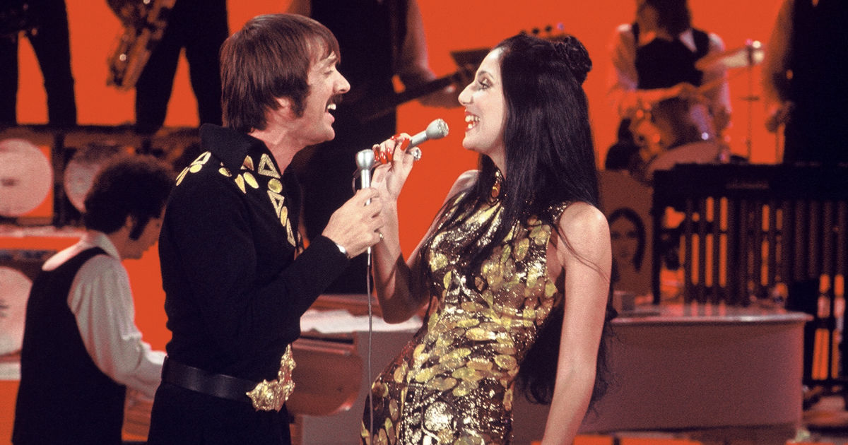 cher singing to sonny on stage