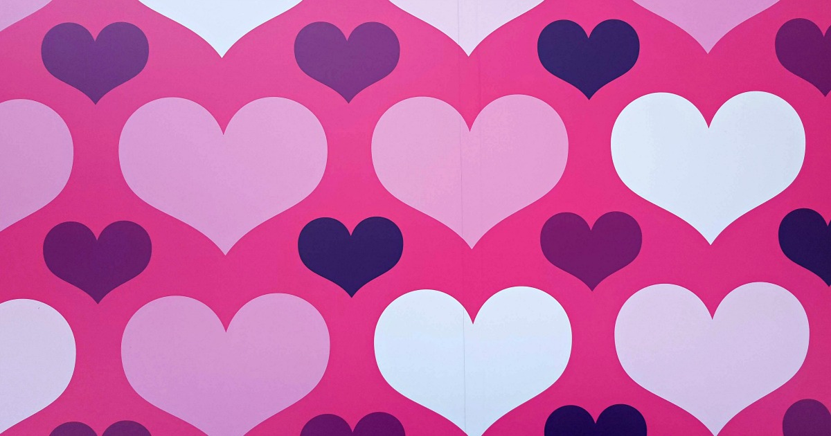 feature pink white hearts