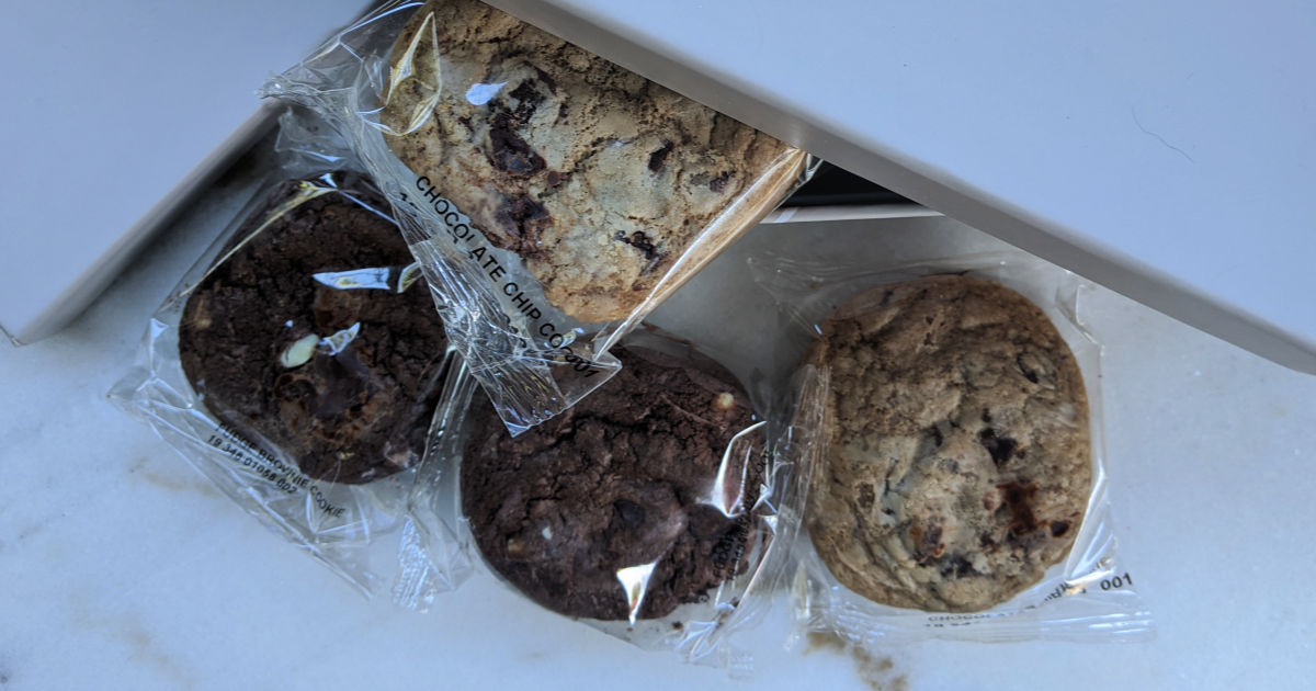 individually packaged chocolate cookies